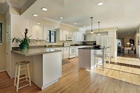grande cuisine grande cuisine avec le dessus d île de granit image stock image