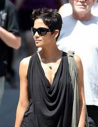 harry berry hairstyle halle berry hairstyles ambellamy womaninred