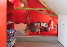 decoration chambre comble avec mur incliné design chambre ado combles inspirations et decoration chambre