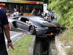 Matte Black Lamborghini Aventador - lamborghini aventador crashes into a ditch in malaysia u2013 car