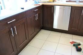 remplacer porte cuisine changer ses portes de cuisine changer porte de cuisine changer