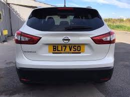 nissan qashqai nearly new nissan qashqai 1 2 dig t n connecta xtronic cvt 5dr 17 450 p x