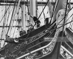 queen elizabeth ii and prince philip tour cutty sark pictures