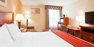 Comfort Inn Near Ft Bragg Fayetteville Nc Holiday Inn Express U0026 Suites Fayetteville Ft Bragg Hotel By Ihg