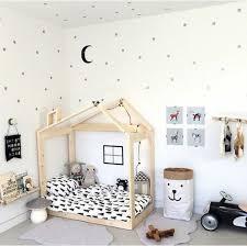 1001 idées pour aménager une chambre montessori baby bedroom