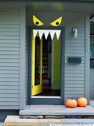Do It Yourself Halloween Decorations 8 Fun Halloween Door Ideas Monster Door Halloween Door And Monsters