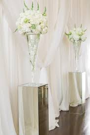 Mirrored Vases Ceremony Décor Photos Vases On Mirrored Risers Inside Weddings