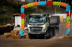 volvo truck commercial tarsi pasakoje sofija ir 18 tonų