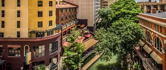 Hotels In San Antonio Near Six Flags San Antonio Riverwalk Hotels Hotel Valencia Riverwalk For