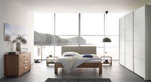 Komplett Schlafzimmer Bett 160 Cm Bett Aus Nussbaum Massiv Mit Gepolstertem Kopfteil Pello