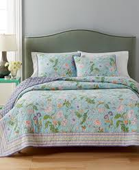 Macy S Bed And Bath Closeout Martha Stewart Collection Sophie Reversible Floral Quilt
