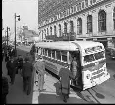 Kentucky travel by bus images Louisville railway co bus at 4th broadway across the street jpg