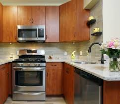 brown kitchen cabinets backsplash ideas best backsplash colour for stained wood cabinets advice