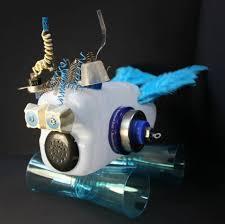 robots maken van recyclend materiaal zomer recycle kunst club
