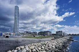 calatrava u0027s twisted and sustainable turning torso tower in malmo