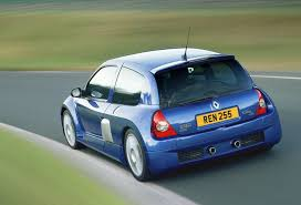 renault 25 renault clio reaches 25 here is their hatch past carwitter