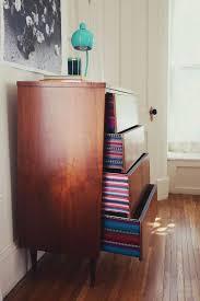 comment tapisser une chambre comment tapisser une chambre 7 relooker des meubles peut
