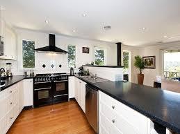 small u shaped kitchen design photo 4 ohwyatt com
