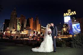 vegas weddings the ultimate guide to getting married in las vegas casino org