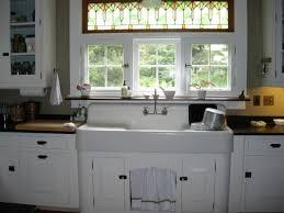 what is a farmhouse sink please explain the allure of a farmhouse sink