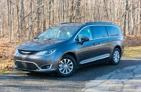 chrysler car 2017 chrysler pacifica touring l review u2013 the perfect people mover
