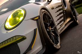 porsche gt3 rs yellow who u0027s yin who u0027s yang porsche 991 gt3 rs and ferrari 458 speciale