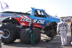 bigfoot monster truck driver bigfoot 4x4 monster truck bigfoot 17 photos