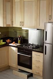 creer une cuisine dans un petit espace aménager cuisine astuces pour gagner de la place rangement
