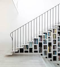 Placard Sous Escalier Avec Tablettes 1001 Idées Bibliothèque Escalier Des Marches Et Des Livres