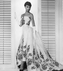 Audrey Hepburn Love Quotes by Audrey Hepburn Quotes Givenchy And Tiffany Cat