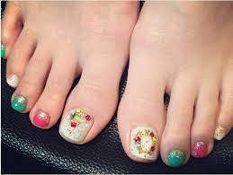 27 holiday fun designs for christmas toe nails be modish