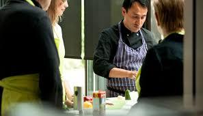 cours de cuisine nantes un cours de cuisine à nantes orvault avec un chef