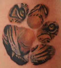 paw print tattoos on hip photos pictures and sketches tattoo