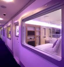chambre high tech des chambres cabines high tech dans la zone de transit de l aéroport cdg