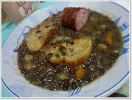 cuisiner les lentilles vertes soupe de lentilles vertes à la saucisse de morteau recette iterroir