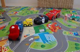 chambre garcon theme voiture deco chambre garcon voiture idées de décoration et de mobilier