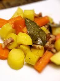 cuisiner des carottes la poele poêlée cagnarde au lard pommes de terre et carottes cookismo