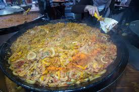 cuisine espagnole recette la recette de la paella plat emblématique d espagne interhome