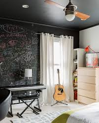 35 bedrooms that revel in the beauty of chalkboard paint view in gallery express yourself with a chalkboard paint wall in the bedroom design annie hall interiors