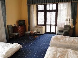 chambre d appoint chambre n 8 sans caches sommiers ni couvres lits et en guise de