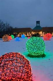 martha stewart christmas lights shooting star 15 beautiful christmas outdoor lighting diy ideas making lemonade