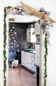 Cubicle Decoration Themes For Christmas And New Year by 70 Diy Christmas Decorations Easy Christmas Decorating Ideas