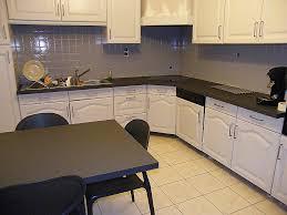 comment fixer un meuble de cuisine au mur comment fixer un meuble au mur rénover une cuisine ment