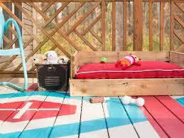 How To Make A Dog Bed How To Make A Dog Bed Out Of Pallets Korrectkritterscom