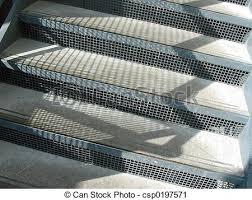 gitter treppe stockfotografie treppe schatten licht metall beton