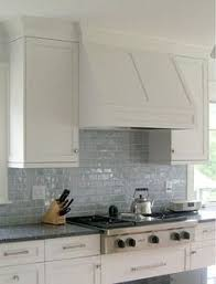 Glass Tile Kitchen Backsplash by Subway Tile Backsplash And Glass Cabinets Cuisine Pinterest