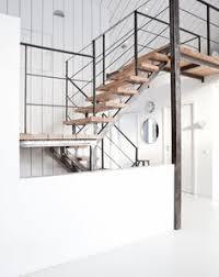Industrial Stairs Design De Todo Un Poco Industrial Industrial Stairs And Woods