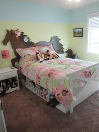 Girls Horse Themed Bedding by Equestrian Kid U0027s Bedrooms Horse Bed Horse Headboard Fence