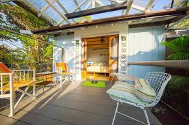 Tiny House Vacations Small Living In Paradise 3 Tiny Vacation Rentals In Hawaii Curbed