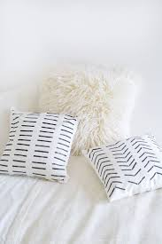 White Fur Cushions Top 25 Best Diy Cushion Ideas On Pinterest Diy Cushion Covers